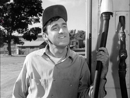 Gomer at pump.jpg